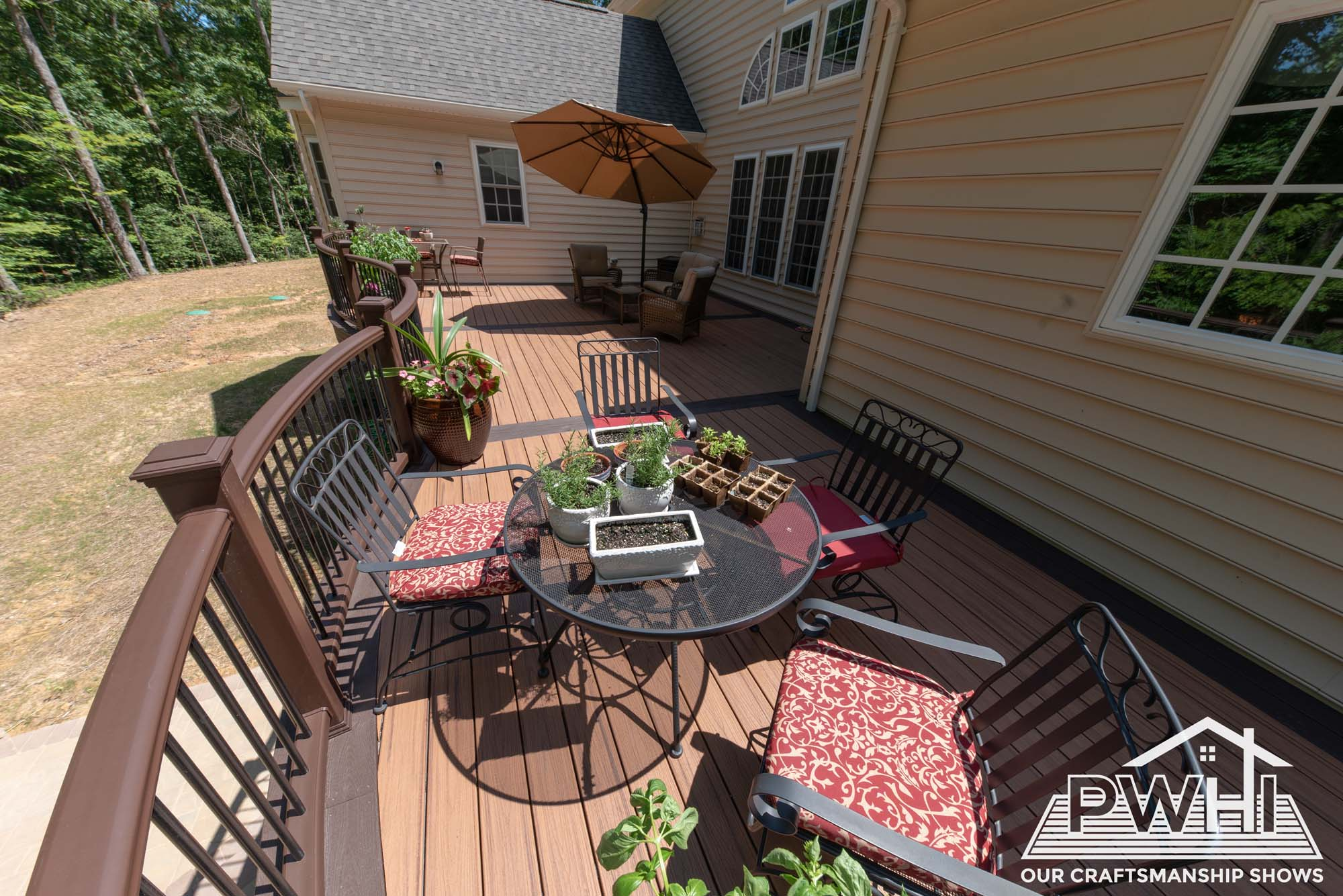 how to choose outdoor deck furniture